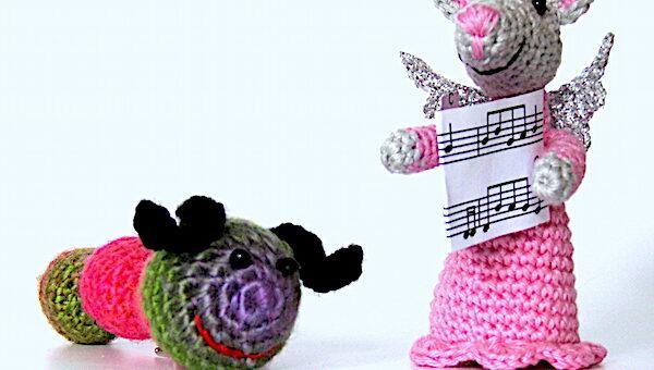 Regenbogenregenwurm und Pinky, die Singmaus